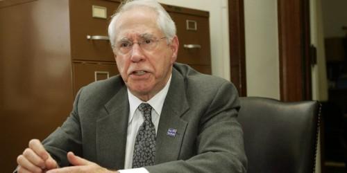 Mike Gravel drops out of presidential race, endorses Bernie Sanders