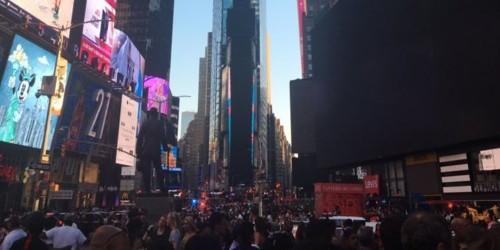 New York City power outage: photos and videos show stranded crowds
