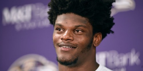 Lamar Jackson embarrassed a defender with a simple juke