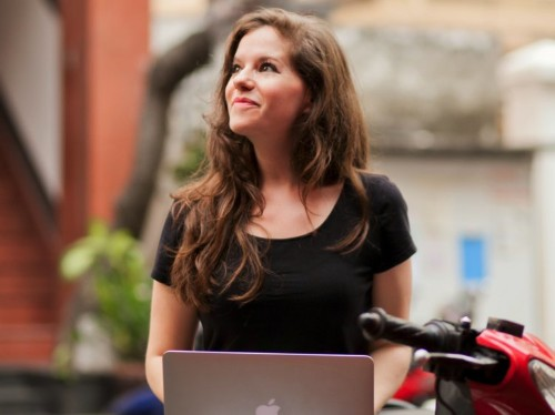 A former lawyer who's been running a business remotely for 8 years shares her favorite tools for working on the road