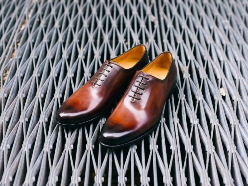 Paul Evans, a NYC footwear startup, makes fine Italian dress shoes for a fraction of retail costs — here's what they feel like
