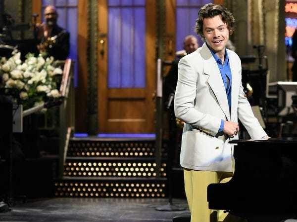 Harry Styles threw shade at Zayn Malik in his 'Saturday Night Live' monologue - Business Insider