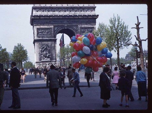 These photos show what springtime was like in Paris in 1960 - Business Insider