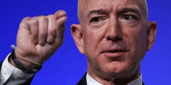Amazon used beacons to track attendees at its massive AWS conference - Business Insider