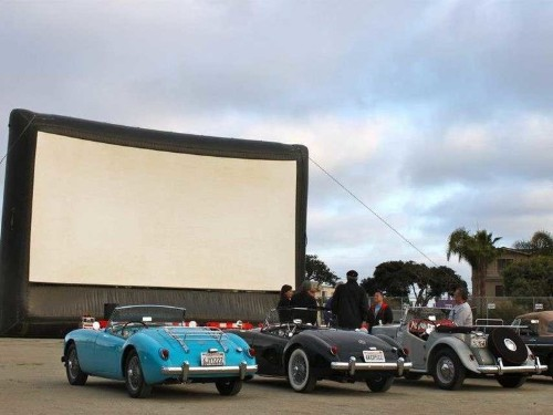 15 Cool Drive-In Theaters Where You Can Watch A Movie Retro-Style