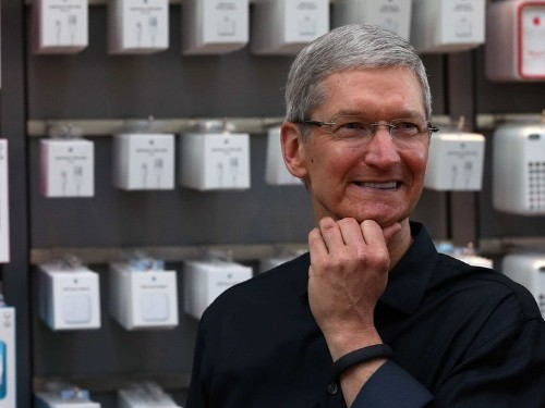 Top Apple Execs Sold $143 Million Of Their Stock Right Before AAPL Dropped