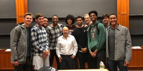 "Lloyd Blankfein poses with Harvard basketball team, has ""lost stature"" - Business Insider"