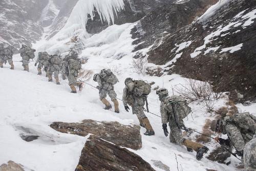 15 awesome photos of what mountain warfare looks like