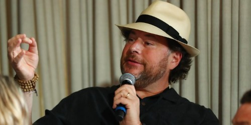 Salesforce CEO Marc Benioff video-called into Cisco board meetings from the gym: Report