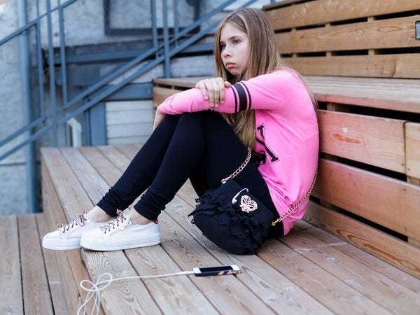The number of teens who are depressed is soaring — and all signs point to smartphones - Business Insider