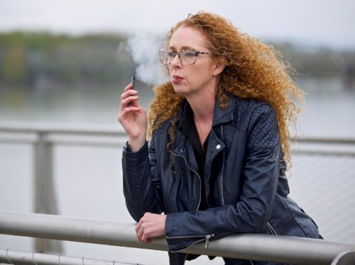 Should I stop vaping? Dangers and health risks of e-cigarettes