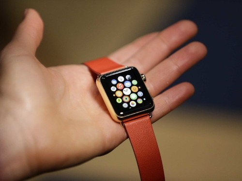 Apple might cut Apple Watch shipments in half because it's having trouble producing the watch's screen