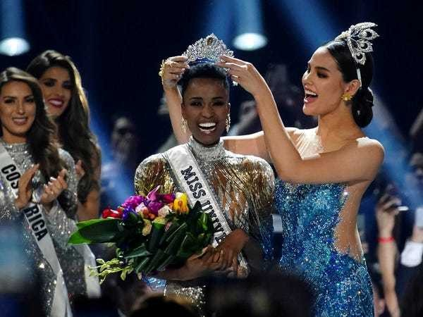 Miss Universe Zozibini Tunzi celebrated her win by eating a steak at her hotel - Business Insider