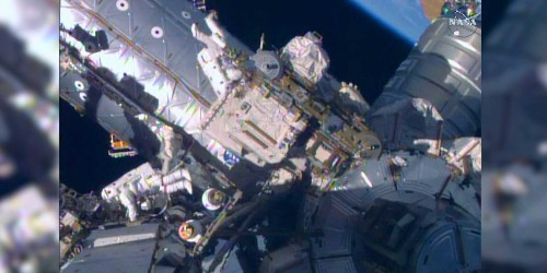 This astronaut spacewalk looks like a scene straight out of the movies