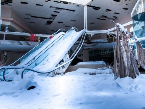 More than 5,800 stores are closing in 2019 as the retail apocalypse drags on — here's the full list