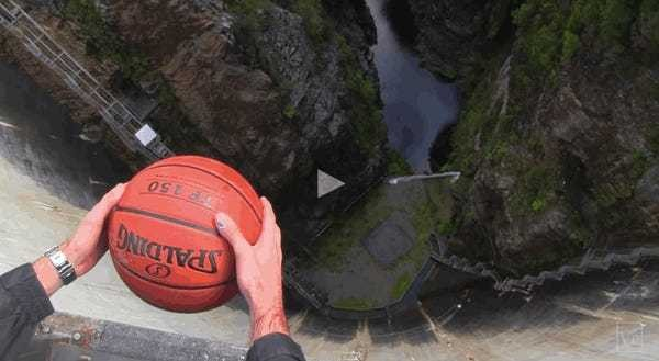 This crazy basketball trick isn't an optical illusion — it's just physics - Business Insider