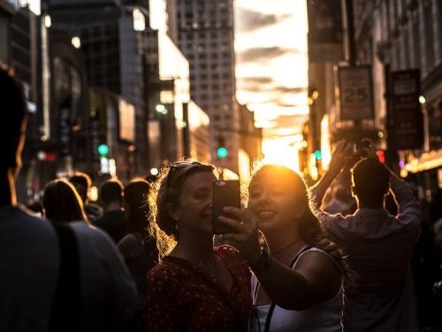 A strange, beautiful 'Manhattanhenge' sunset will happen in New York City today and tomorrow