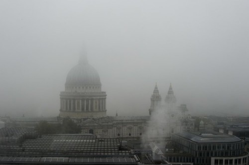 Heathrow flights cancelled as fog blankets Britain