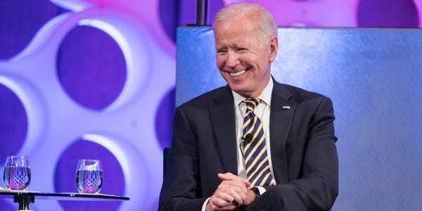 2020 Democratic candidate ages: Sanders, Biden oldest, Buttigieg youngest - Business Insider
