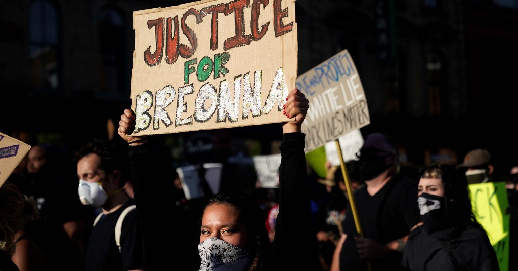 """They Marched For Breonna Taylor And Repeated A Powerful Message: """"Black Women Are Not An Afterthought"""""""