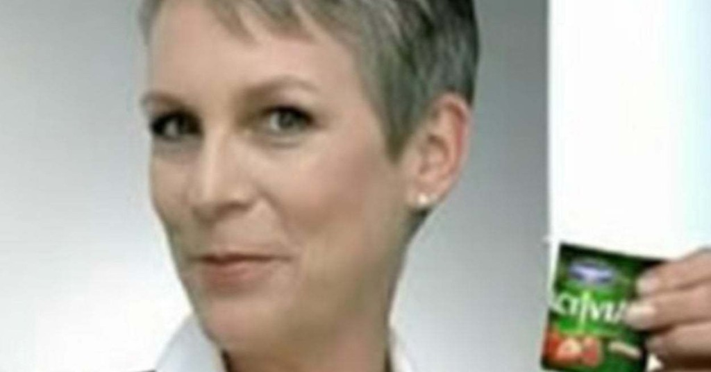 """Jamie Lee Curtis' Response To A Twitter User Calling Her """"Broke"""" Is, In A Word, Iconic"""