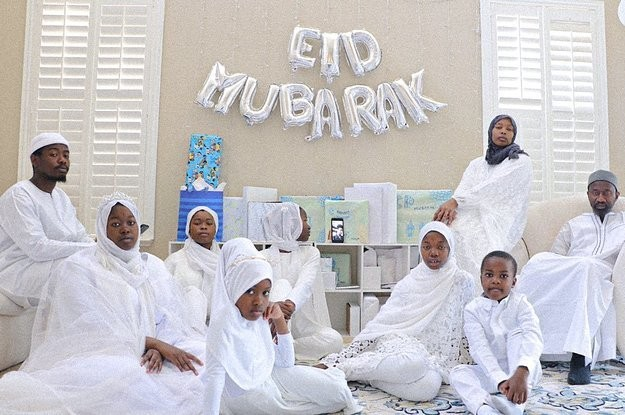 For The Fourth Year Running, Black Muslims Are Sharing Photos Of Themselves Celebrating Eid With #BlackoutEid