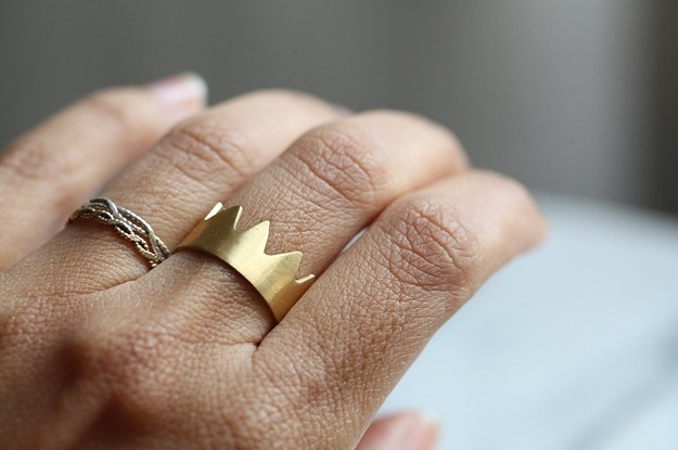26 Pieces Of Minimalist Jewelry As Beautiful As They Are Simple