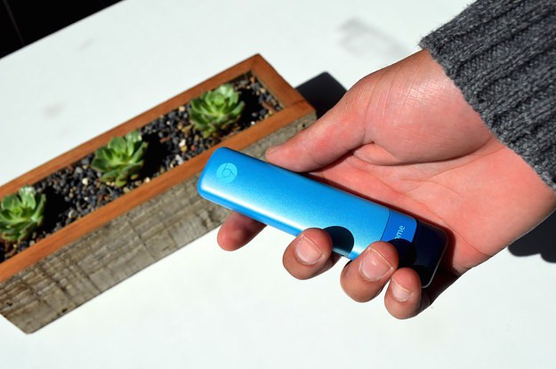 Google's New Chromebit Computer Is Ridiculously Small