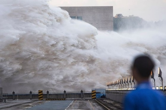 China Floods and Japan Downpour Blamed on Indian Ocean Hot Spot