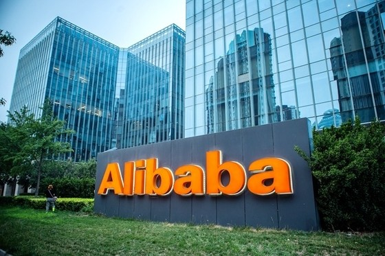 CX Daily: Alibaba and Pinduoduo Fight for Top Spot in China's Online Bargain Basement