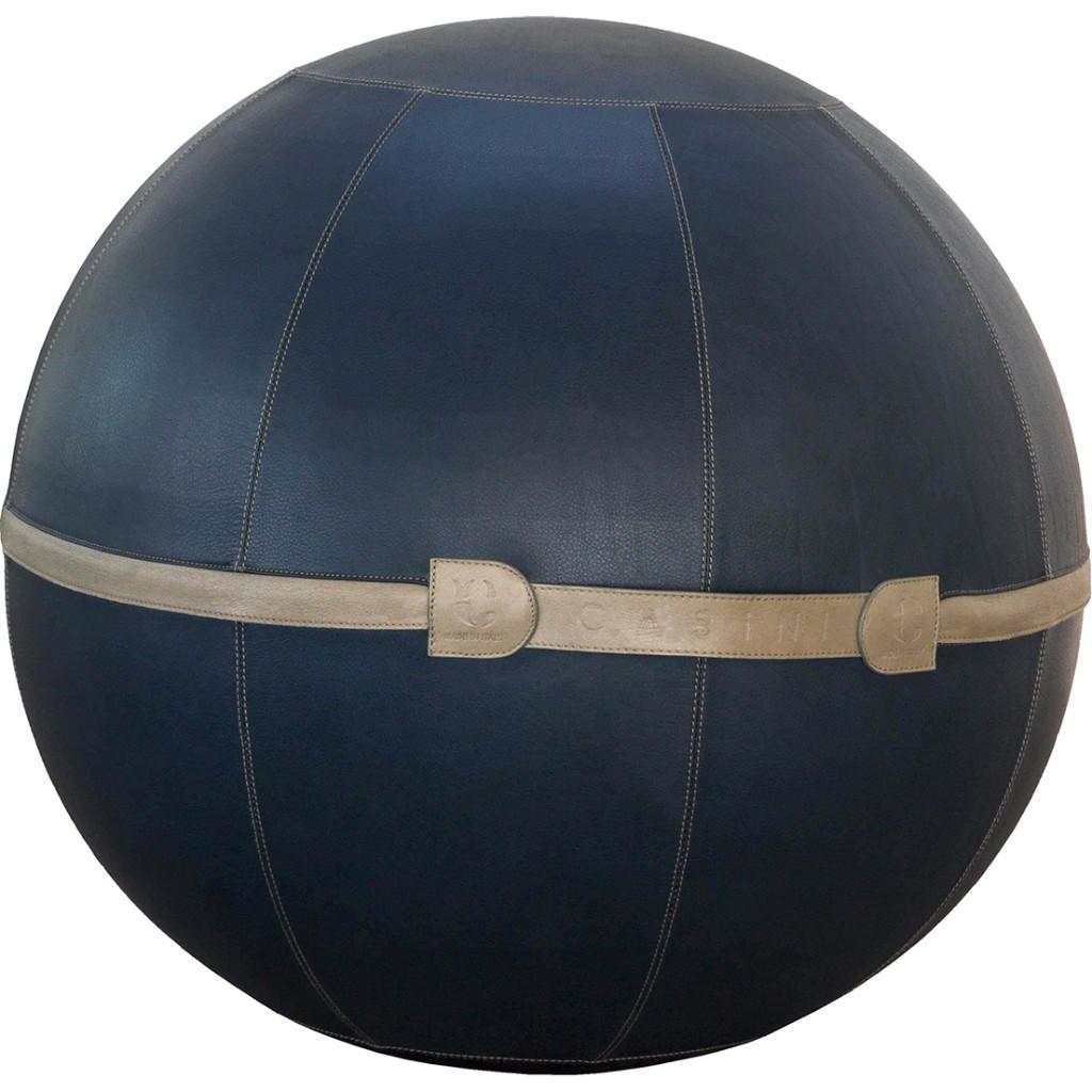 レザーへの情熱と技術が生み出したバランスボール。