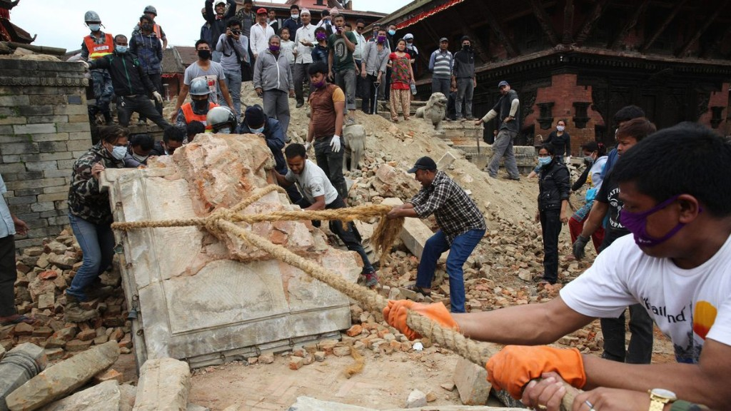 How this entrepreneur helped save lives after Nepal's earthquake