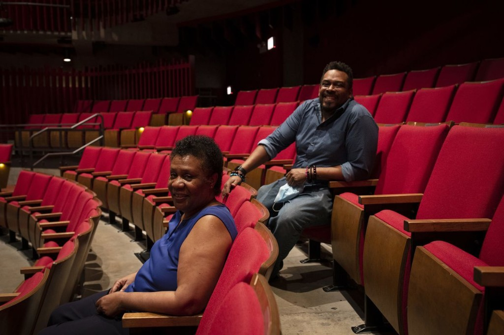 For Chicago's theaters, an opportunity for more racial diversity also comes at a time of crisis