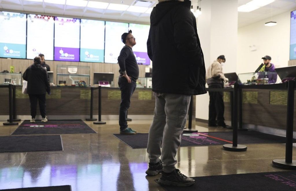 Delayed weed dispensary openings, curbside pot pickup: Coronavirus is forcing the state's marijuana industry to adapt