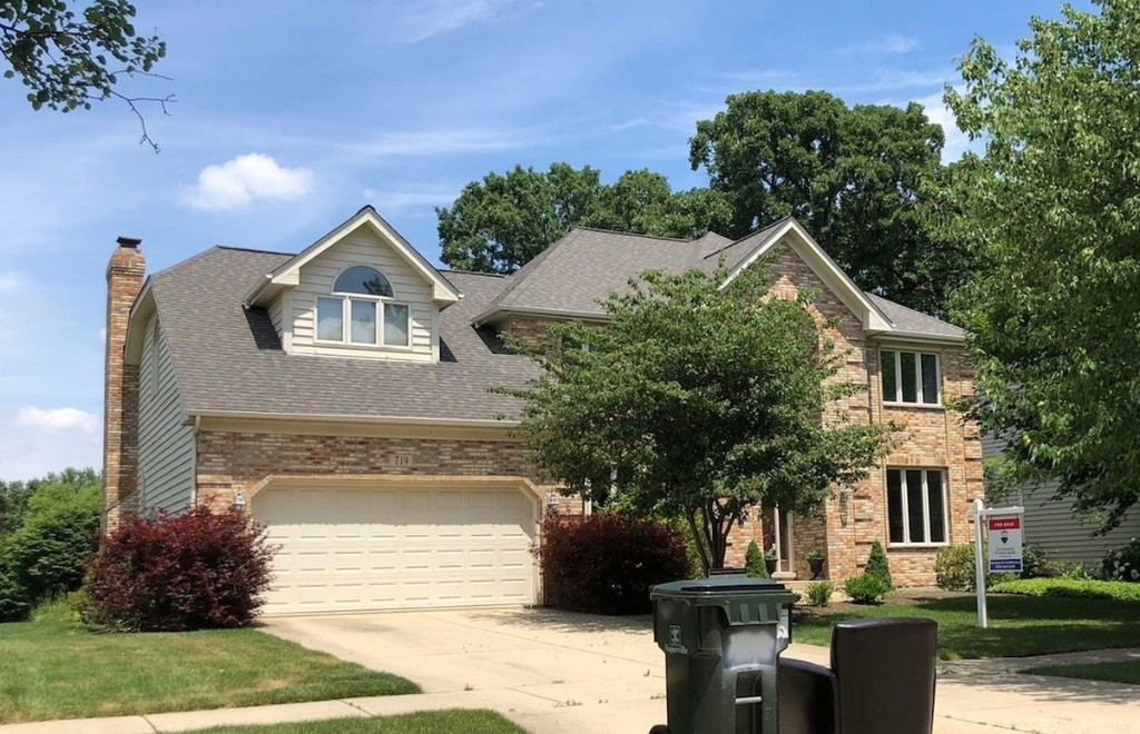 WBBM-Ch. 2 meteorologist Mary Kay Kleist lists Naperville 4-bedroom home for $554,000