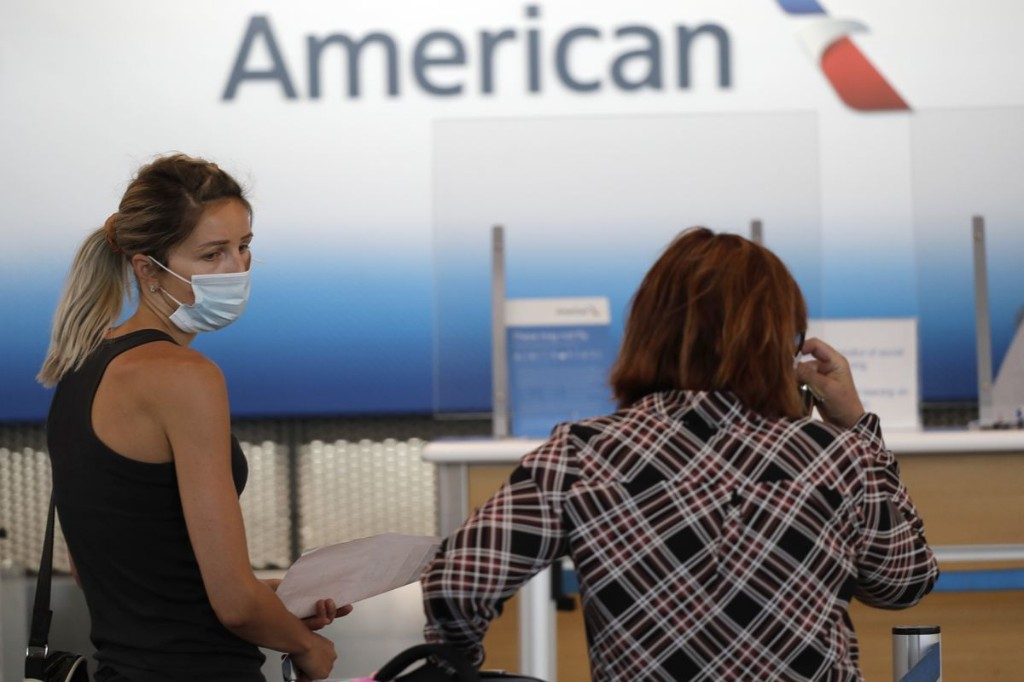 American Airlines to drop nearly two dozen international routes, including 4 from ORD