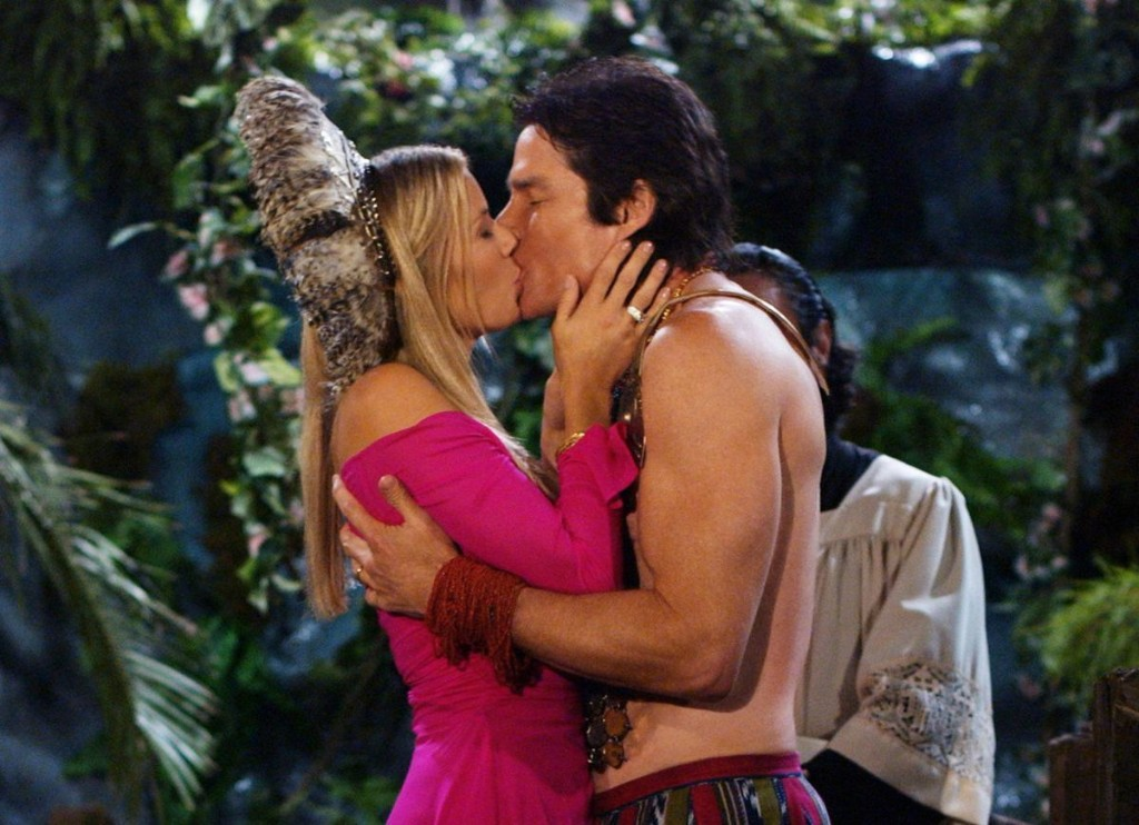 Soap opera's kisses try to outwit COVID-19 with tests, spouses, dolls