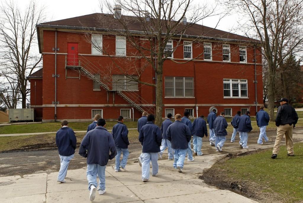 Commentary: Gov. Pritzker's juvenile justice reform helps. Now broaden it.