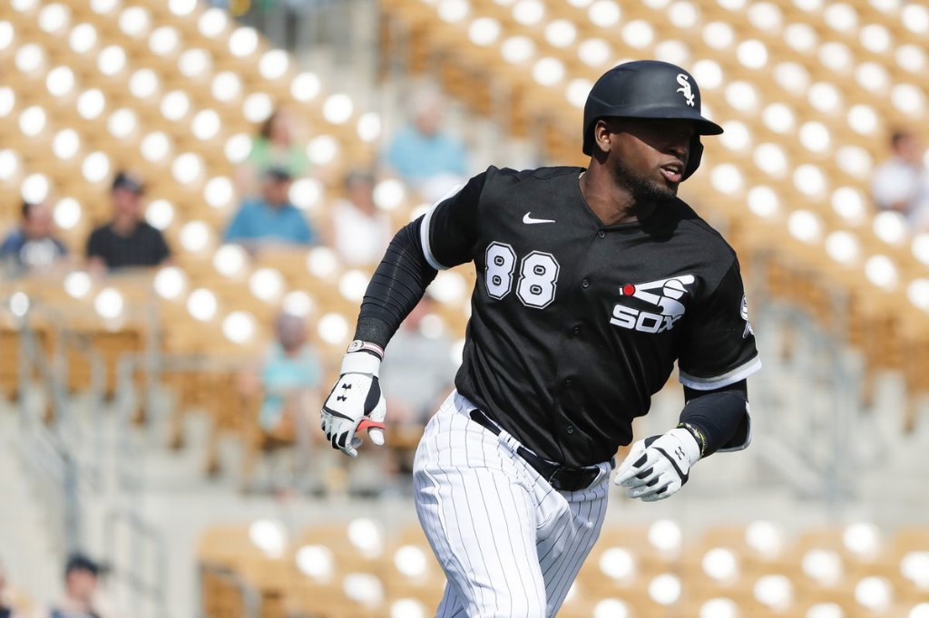 4 takeaways from Chicago White Sox camp, including Luis Robert's unique trip around the bases and ways to watch upcoming intrasquad games