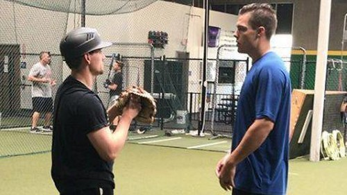 White Sox's Danny Farquhar posts video of himself throwing during recovery from brain hemorrhage