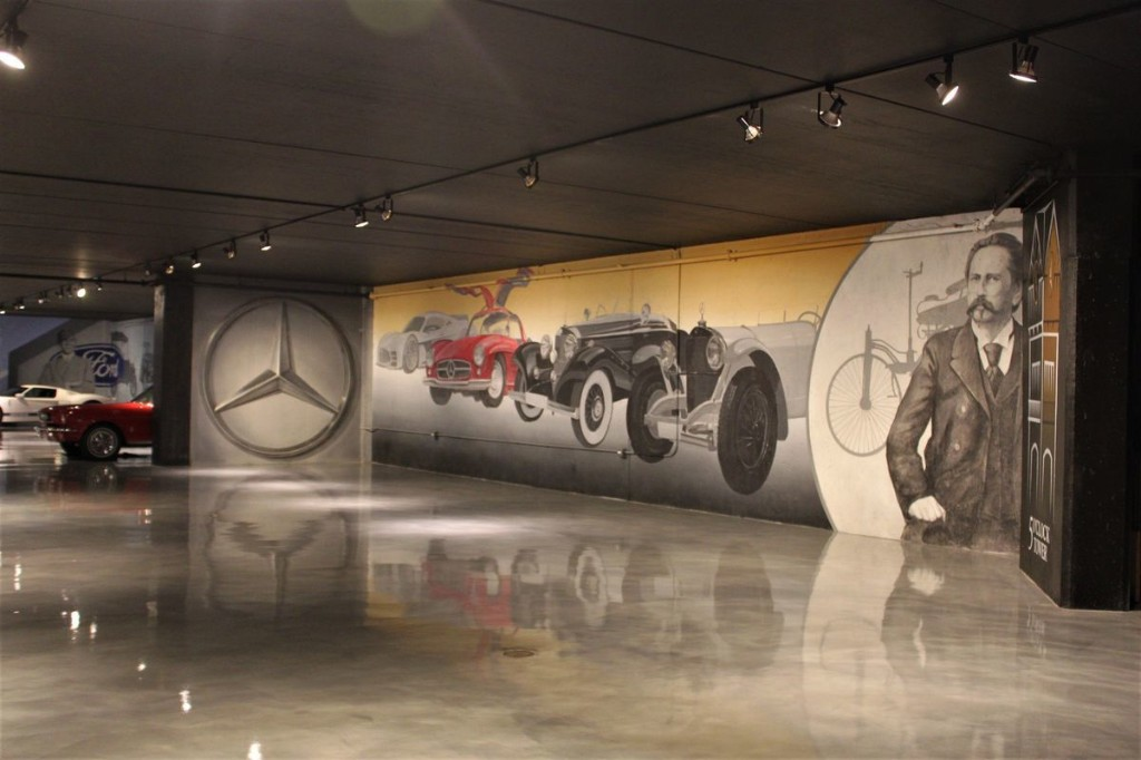 Largest indoor car mural located in Naperville basement garage