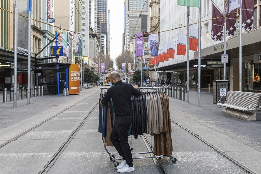 Lockdown 2.0: Harsher rules, deeper confusion in Australia