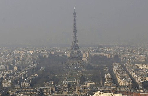 Paris chokes on pollution; City of Light becomes City of Haze