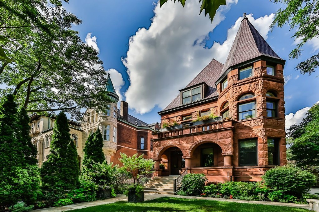 Vintage 1890s mansion in Lincoln Park, with ornate woodwork and sweeping French doors, sells for $4.5 million — half original asking price