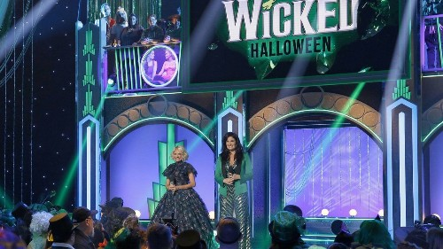 Kristin Chenoweth, Idina Menzel, Ariana Grande share 'Wicked' memories for NBC