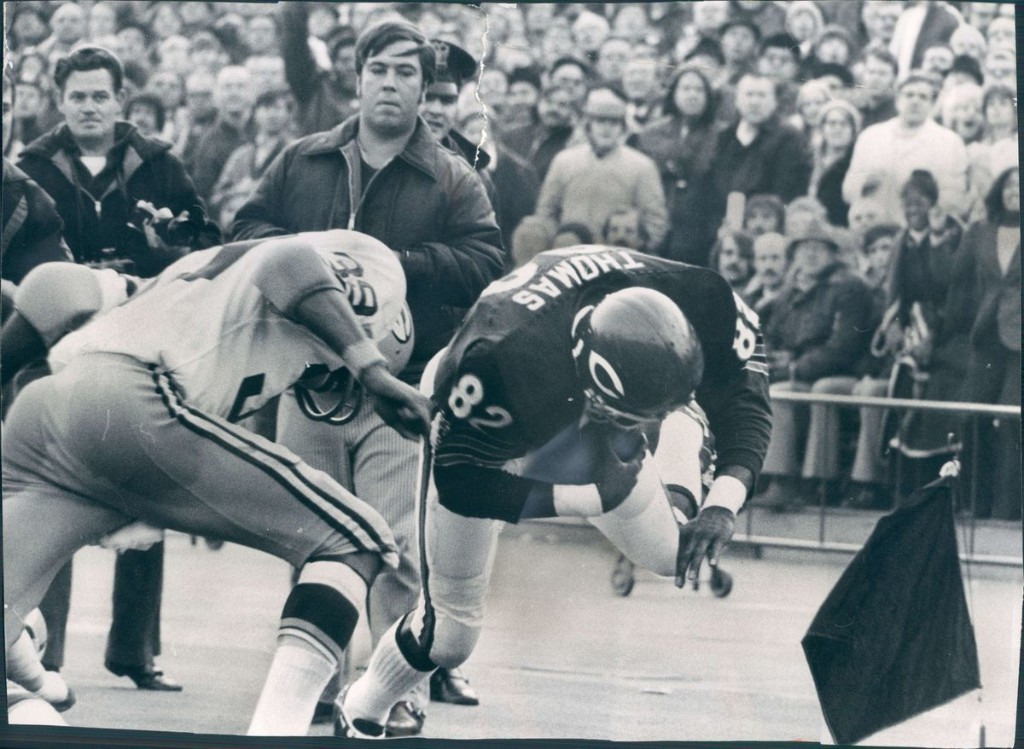 Former Chicago Bears wide receiver and tight end Earl Thomas dies at 71