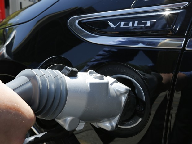 The Unpopular Step That Would Popularize Electric Vehicles
