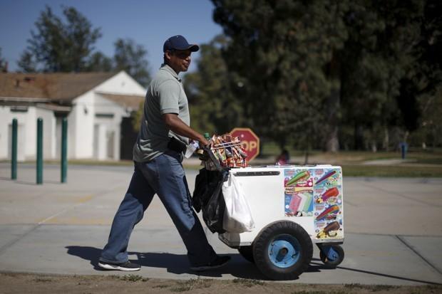 For L.A. Street Vendors, a Step Toward Legality