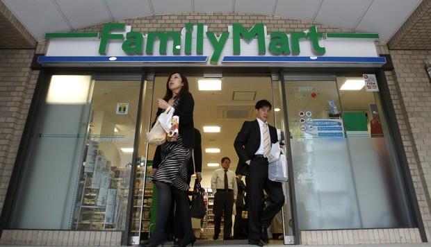 The Language Debate Inside Japan's Convenience Stores