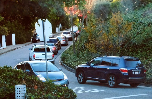 L.A.'s Love/Hate Relationship With Waze Continues